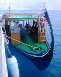 The dive dhoni, used by the Baani Adventurer for diving in the Maldives - photo courtesy of Daniel Galt