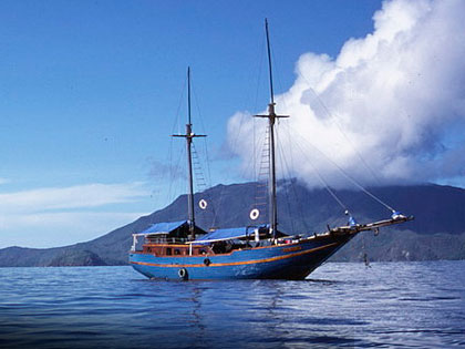 More details on these liveaboard adventures