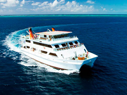 Discover our Australia liveaboard adventure opportunities