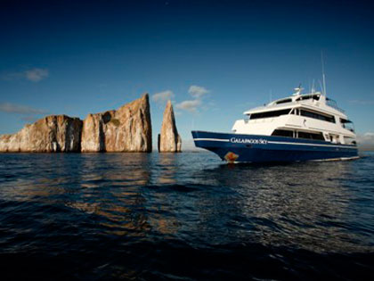 Discover our Galapagos liveaboard adventure opportunities