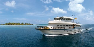 Maldives diving safaris with the MY Manthiri