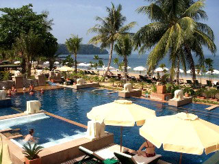 Baan Khao Lak Resort Pool und Strand