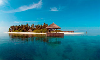 Stunning Maldive Islands scenery at Ari Atoll - photo courtesy of Manthiri