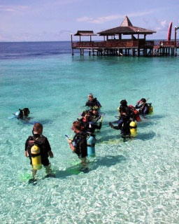 Shore diving in Sipadan - photo courtesy of Borneo Divers