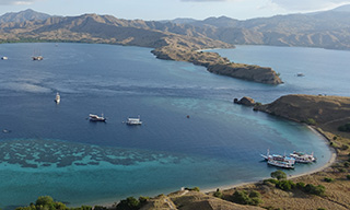 Aerial view of liveaboards in Komodo National Park, courtesy of Pierre-Edouard Crouzier