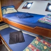 Tiwn bunk bed cabin with portholes