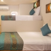 Standard twin/double bed room with porthole