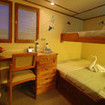 Sea Hunter's Upper deck twin/double bed suite, satellite communications & sea views