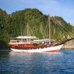 Awesome Indonesian liveaboard Akomo Isseki - another view