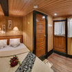 Deluxe double bed cabin with air-conditioning and sink