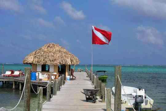 Ambergris caye dive resorts belize dive the world vacations - Ambergris dive resort ...