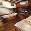 The Indo Siren Deluxe twin bed cabins
