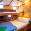 An Emperor Atoll liveaboard cabin