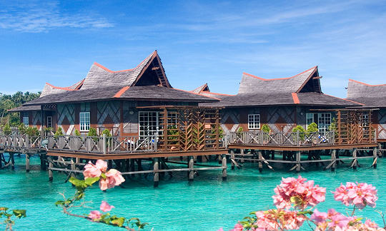 Bungalows With Private Balconies Mabul Water Resort