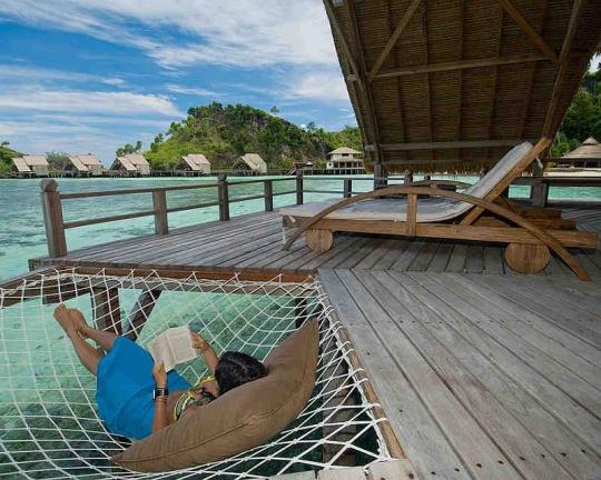 Misool resort diving packages raja ampat indonesia - Dive resort raja ampat ...