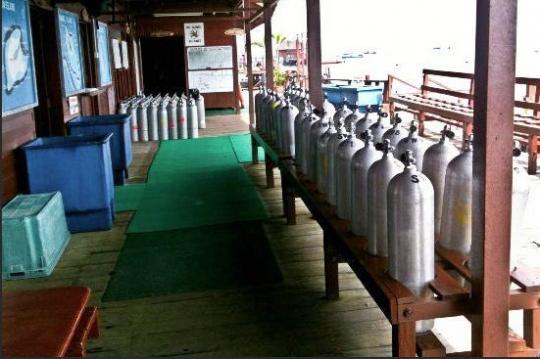 Sipadan water village diving packages malaysia dive the world - Sipadan dive centre ...
