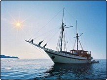The Indonesia liveaboard, Komodo Dancer at Sumbawa